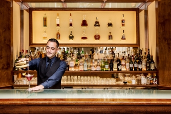Barman in El Bar del Majestic MAjestic Hotel & Spa Barcelona 2
